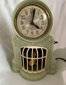 "1950's American Mastercrafters ""Swinging Bird"" Novelty Bakelite Clock - GWO"