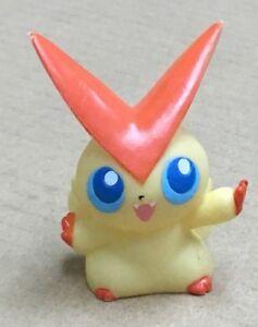 B.2011 Pokemon Finger Puppet Victini Figure Gotta Catch Them All Nintendo Bandai