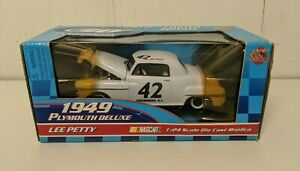 Racing Champions 90005 Petty Racing 50th Anniversary 1949 Plymouth Deluxe #42