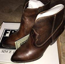 NIB Frye Women's Renee Seam Short Leather Ankle Booties 72066 Dark Brown Sz 7.5