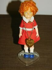 "VINTAGE KNICKERBOCKER  TOY 1982  LITTLE ORPHAN ANNIE 6"" HIGH DOLL ON STAND"
