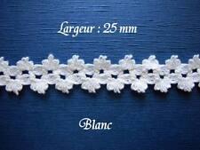 Dentelle ancienne, guipure,  AU METRE,  larg 25 mm, Coton blanc,  n° 174