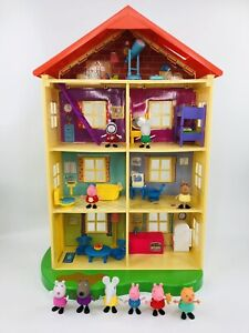 Peppa Pig Lights and Sounds Family Home Playset - 95765