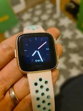 Fitbit Versa boxed Health and Fitness Smartwatch Tracker - Rose Gold