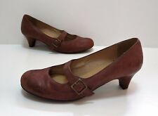 Ladies CLARKS Brown leather Mary Jane heeled Shoes Size 4 Good Cond