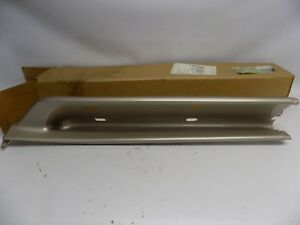 New OEM 1999-2001 Ford Mercury Mountaineer Rear Moulding Cover Assembly