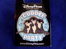 Disney * CUDDLE PARTY - OTTERS * New on Card Character Trading Pin