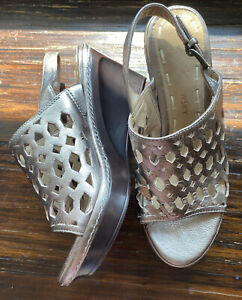 """B.Makowsky Size 5 US Gold Leather Gladiator Wedge 2.5"""" Heels Sandals Open Weave"""