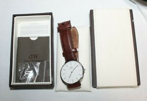 Daniel Wellington Classic St Mawes women watch silver 40mm leather needs battery