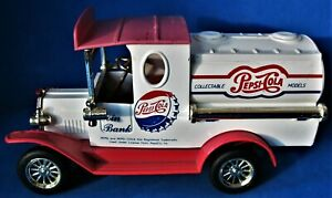 Vintage '93 Golden Wheels Pepsi Cola Delivery Ford Tanker Truck Collector's Bank