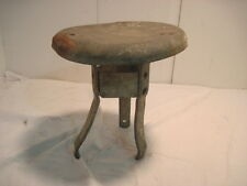 B OLD VINTAGE ANTIQUE CAST IRON STOOL MILKING STOOL BENCH SEAT