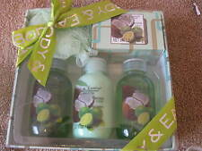 Womens Body and Earth Shower and Bath 5 pc Gift Box NIB Coconut Lime CL15-30