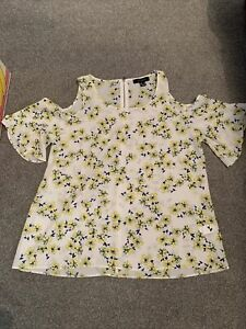 LADIES FLORAL COLD SHOULDER TOP SIZE 12
