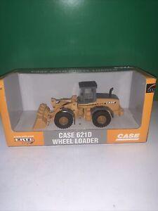 ERTL MODEL 14319 CASE 621D WHEEL LOADER 1.50 SCALE COLLECTABLE DIE CAST MODEL