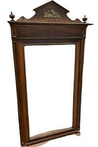 Miroir de style Empire en acajou Moulures laiton et bronze décoratif XX siècle