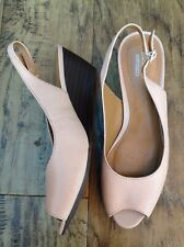 Ladies Low Wedge Sling back Peep Toe Shoes, Clarks, 6D, Nude New Without Box.