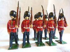 10 footguards avec bras amovible - Soldats de plomb BRITAINS ? Garde anglaise -