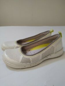 Clarks Unstructured Women's Shoes White Size 6 M Slip On Comfort