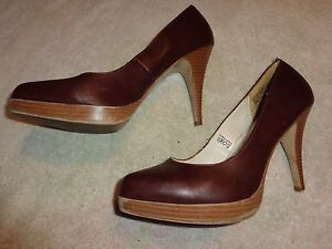 MOSSIMO BROWN SHOES WOMEN'S SIZE 10 (4 INCH HEEL)