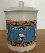 Snoopy Peanuts Chocolate Chips Cookie Jar White United Feature Syndicate Inc