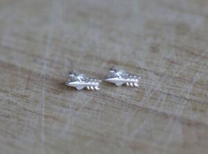 925 Sterling silver arrow stud earrings