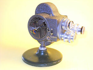 Emel (93?) - vintage 8mm movie camera in very good condition and still working.