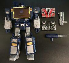 Transformers War for Cybertron Earthrise Netflix Soundwave Walmart Exclusive