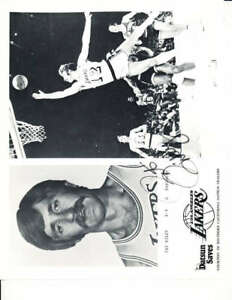 1974 Los Angeles Lakers 16 Datsun card photo set NBA6
