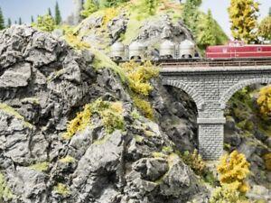 SH Noch 58462 Felsspalte »Basalt«