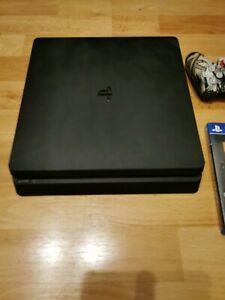 Sony PlayStation 4 Slim 500 GB mit zusätzlichem scuf controller und 2 spielen