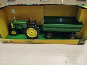 Ertl 1/16 John Deere 1956 420 With Wagon In Box