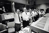 New 5x7 NASA Photo: Flight Directors, Mission Control Celebrate Apollo 13 Return