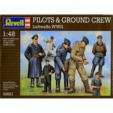 Revell 02621 Pilots & Ground Crew Luftwaffe WWII 1/48 scale model figure kit