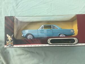 1964 Ford Falcon US - 1:18 Die Cast model - Road Signature