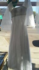 White Wedding Gown by Savannah size 1/2 with veil / comb, Fast S&H