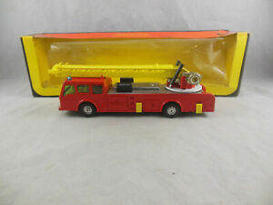 Corgi toys 1120 Dennis Fire Engine Aerial Ladder truck 1:50 scale