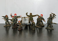Lone Star red beret toy soldiers and silver field gun