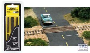 C1149 Woodland Scenics N Wood Plank Grade Crossing