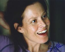 Sigourney Weaver signed 8x10 photo - In Person Proof - Alien Aliens Avatar