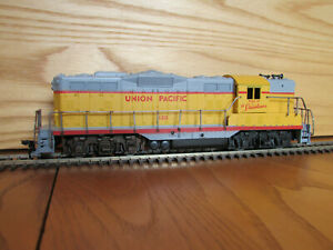 "Athearn ""Blue Box"" EMD GP-9 Diesel Union Pacific #130"