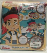 DISNEY JUNIOR REVERSIBLE DOUBLE DUVET COVER SET: JAKE AND THE NEVERLAND PIRATES