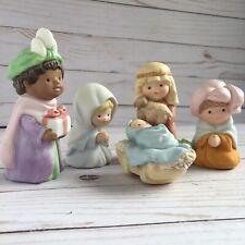 Avon Nativity Set 5 Piece 1986 / 87 Porcelain Vintage Christmas Decor