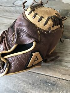 "Akadema Right Hand Baseball Catchers Mitt 32"" ACG 98 Youth Prodigy Design Series"