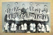 Card-Famous Teams in Football History 1952 NEWCASTLE UNITED (125 x 75 mm)