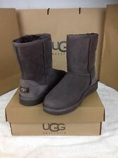 UGG Australia Kids Classic Chocolate Brown Kids Size 6 Will Fit Woman Size 8