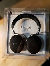 Parrot Zik 3 Headphones in Black Overstitched- with wireless charger Brand New!