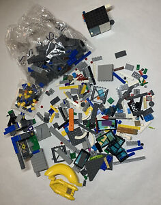 LEGO Lot Jurassic World Indominus Rex Breakout Park + Random Pieces Boat Cage