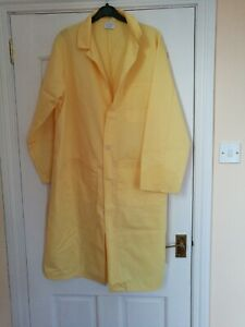 YELLOW LAB COAT SIZE 42 ~ HYGIENE, FOOD,  RESEARCH, DOCTOR DENTIST BRAND NEW