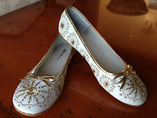 Ladies Dolcis white with gold flower embroidery ballerina pumps UK 5 EU 38