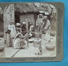 Stereoview Photo India Shelling Rice & Gossiping Citizens Of Cashmere Underwood